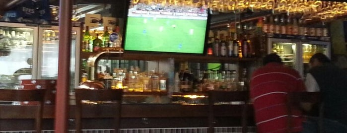 33 Efes Beer Cafe is one of Can : понравившиеся места.