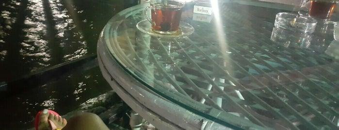 Kır Cafe is one of Orte, die Yunus gefallen.
