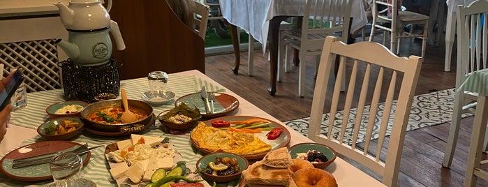 Çeşme Bazlama Kahvaltı - Nişantaşı 2 is one of تركيا 3.