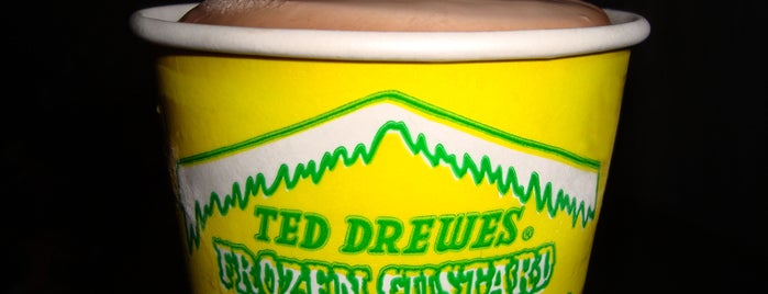 Ted Drewes Frozen Custard is one of Mike'nin Kaydettiği Mekanlar.