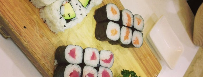 Makakiko | Running Sushi is one of Posti che sono piaciuti a Stanzana.