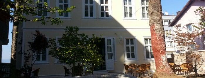 Green House Konak Otel is one of Posti che sono piaciuti a Ülkü Deniz.