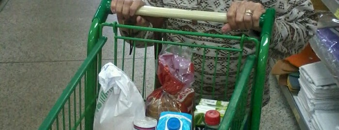 Supermercado Brait - Loja 2 is one of Locais curtidos por Janete.