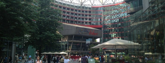 Sony Center is one of Orte, die Stephen gefallen.