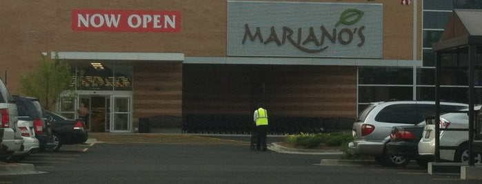Mariano's Fresh Market is one of Locais curtidos por Consta.