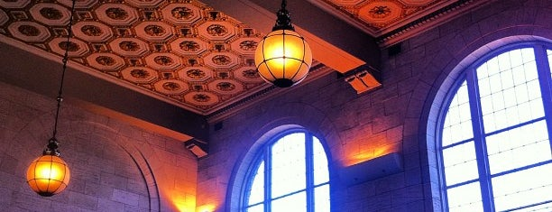New Haven Union Station is one of Shore Line East & Northeast Corridor (ConnDot).