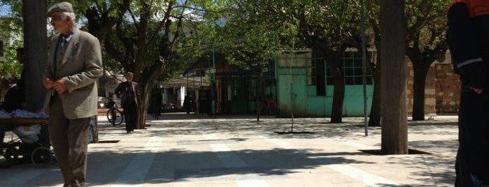 Yeni Cami is one of สถานที่ที่ k&k ถูกใจ.