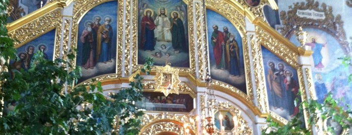 Флорівський монастир is one of สถานที่ที่ Illia ถูกใจ.