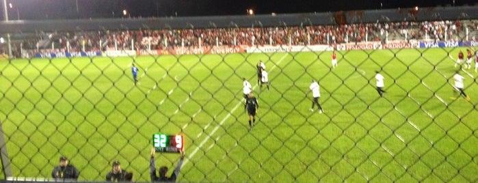 Estádio do Vale is one of Aqui na terra tão jogando futebol.