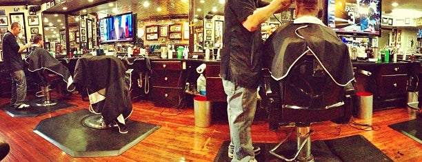 Boston Barber & Tattoo Co. is one of Mark'ın Beğendiği Mekanlar.