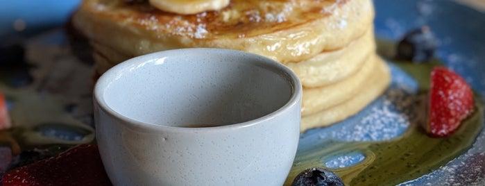 Amongst Few Café is one of Dubai - Breakfast.