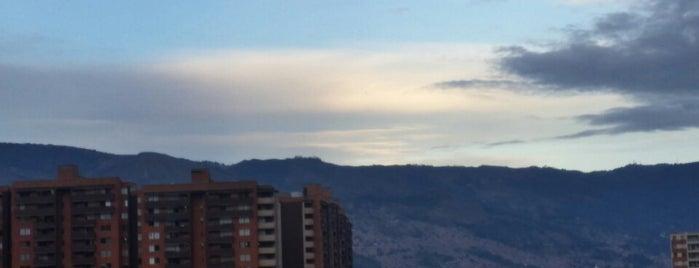 Campo De Verano is one of Lugares favoritos de Wayne.