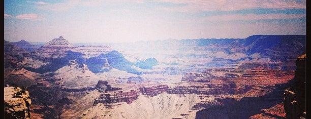 Grand Canyon-Tusayan Community Library is one of Maria'nın Beğendiği Mekanlar.