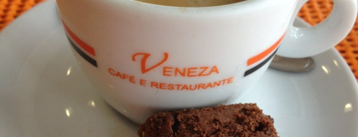 Veneza Café e Restaurante is one of Tempat yang Disukai Kennedy.