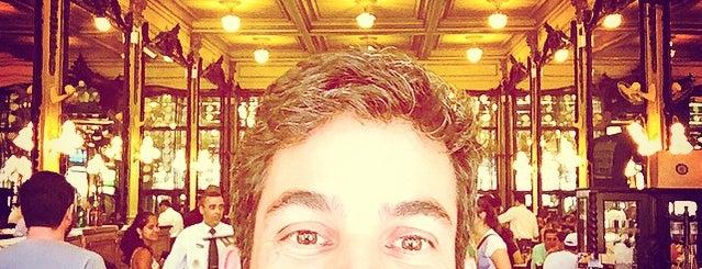 Confeitaria Colombo is one of Posti che sono piaciuti a Igor.
