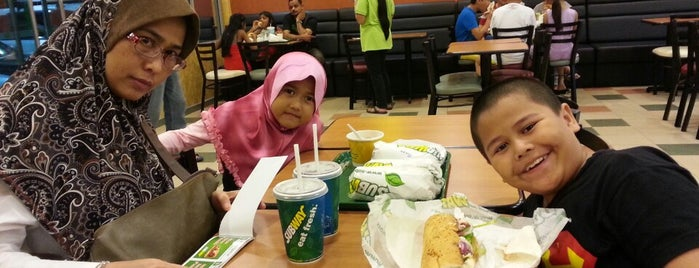 Subway Shell Bandar Puteri is one of @R_Z@¢K°°°®.
