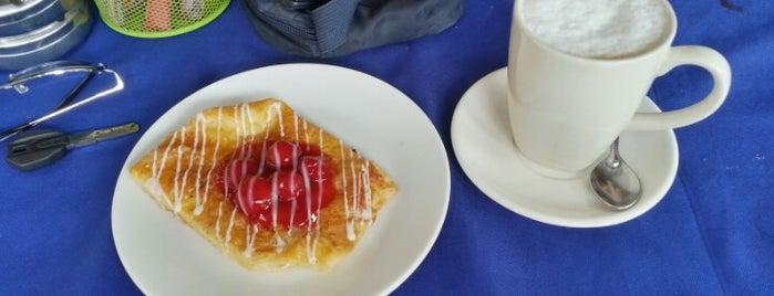 Crust Bakery is one of Locais curtidos por Arman.