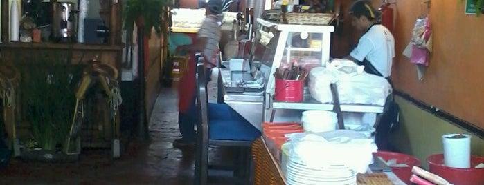 Los Cuates is one of Chilango 50 lugares para comer rico.