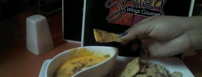 Fifty Grilled - Wings Gourmet is one of Orte, die Kary gefallen.