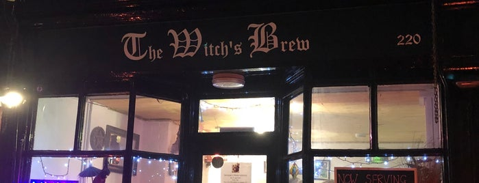 The Witch's Brew is one of Lieux qui ont plu à Carl.