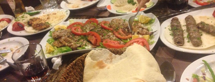 SHAM ARABIC RESTAURANT is one of Lugares favoritos de Levent.