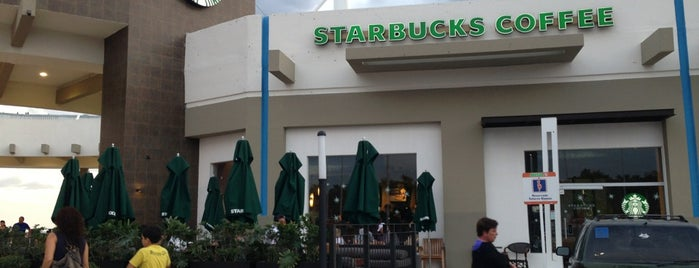 Starbucks is one of Outros lugares.
