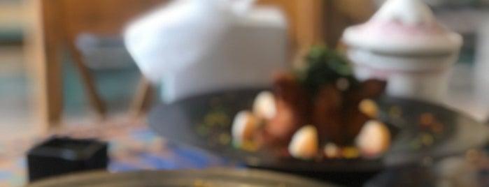 ATAY cafe & lounge is one of Posti che sono piaciuti a Fahad.