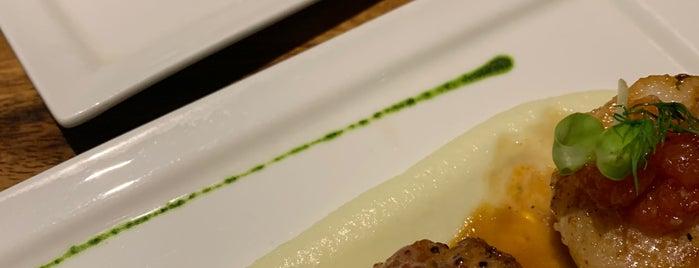 Chez Francois is one of Samui 🥥.