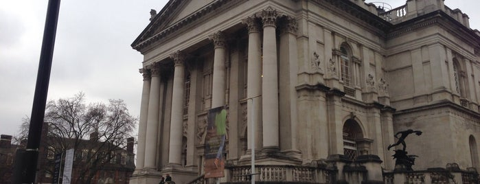 Tate Britain is one of London.