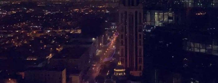 Hyatt Regency Riyadh Olaya is one of สถานที่ที่ Waleed ถูกใจ.