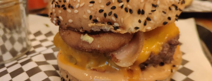 Paris Burger is one of Comer.