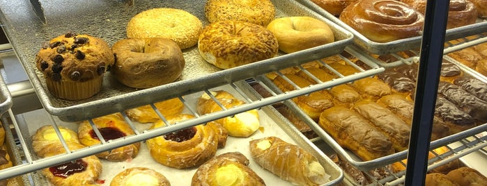 Royal Pin Donuts is one of Favorite.