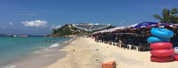 Samae Beach is one of Orte, die Анна gefallen.