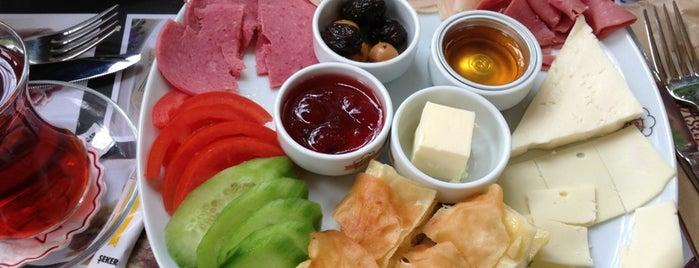 Aslı Börek & Cafe is one of Posti che sono piaciuti a Tuba.