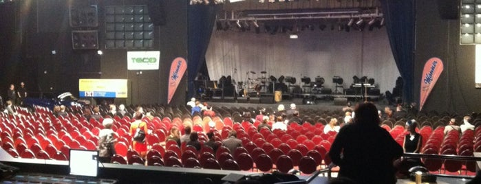 Laser Show Hall Bobycentrum is one of Karolína : понравившиеся места.