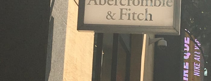 Abercrombie & Fitch is one of Orte, die Isabel gefallen.