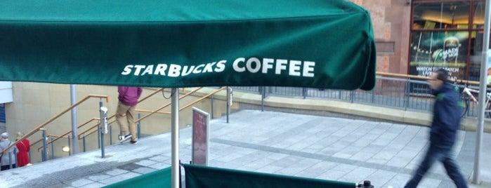 Starbucks is one of Éannaさんの保存済みスポット.