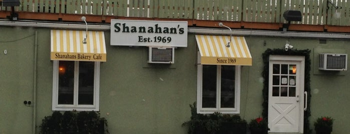 Shanahan's Bakery is one of Lieux qui ont plu à Andrew.