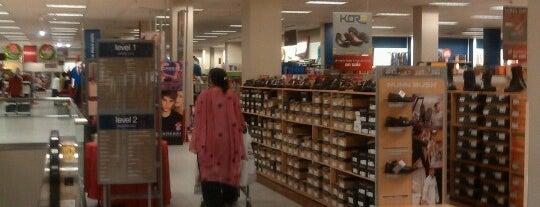Sears is one of Tempat yang Disukai Dawn.