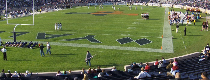 Yale Bowl is one of Ivy League Tour.