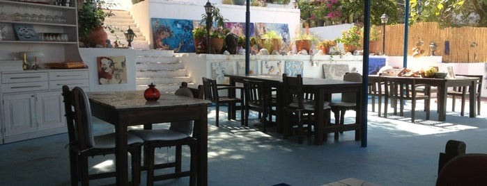 Yengec Beach&Bar&Restaurant is one of Bodrum-Torba.