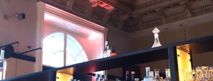 Salon Plafond is one of Lugares guardados de Alexej.
