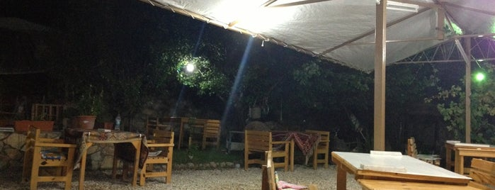 Arykanda Restaurant is one of Posti che sono piaciuti a Mustafa.
