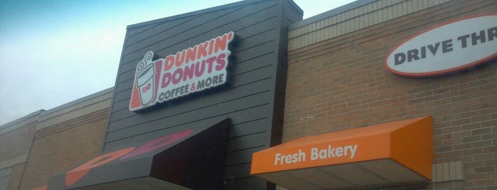 Dunkin' is one of Orte, die DANIEL gefallen.