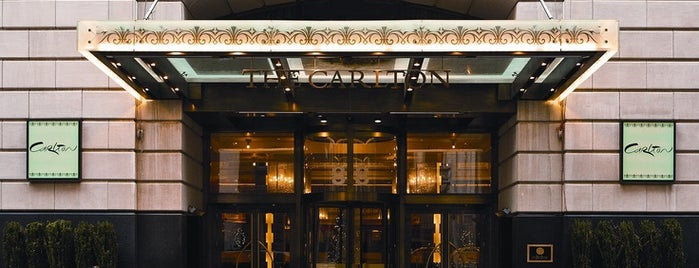 Carlton Hotel is one of Oyster Happy Hour.