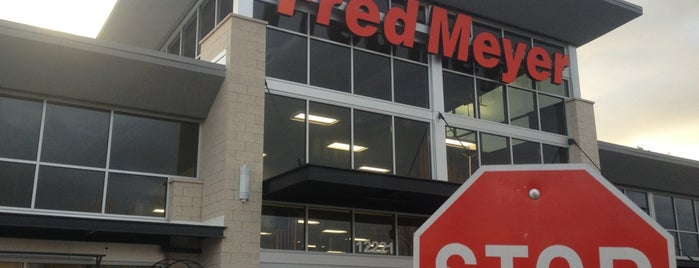 Fred Meyer is one of Locais curtidos por Josh.