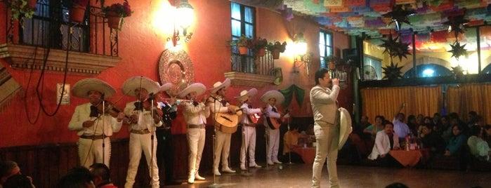 Guadalajara de Noche is one of สถานที่ที่ Mel ถูกใจ.