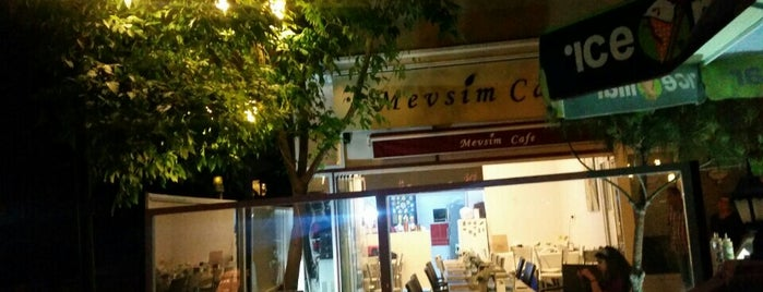 Mevsim Cafe is one of Lugares guardados de Mehmetcan.