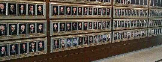 Anayasa Mahkemesi Başkanlığı is one of Posti che sono piaciuti a Mutlu.