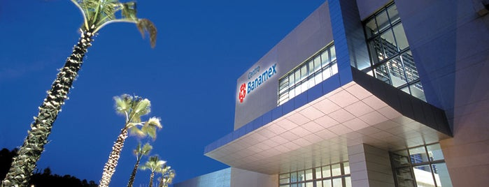 Centro Banamex is one of Locais curtidos por Roberta.